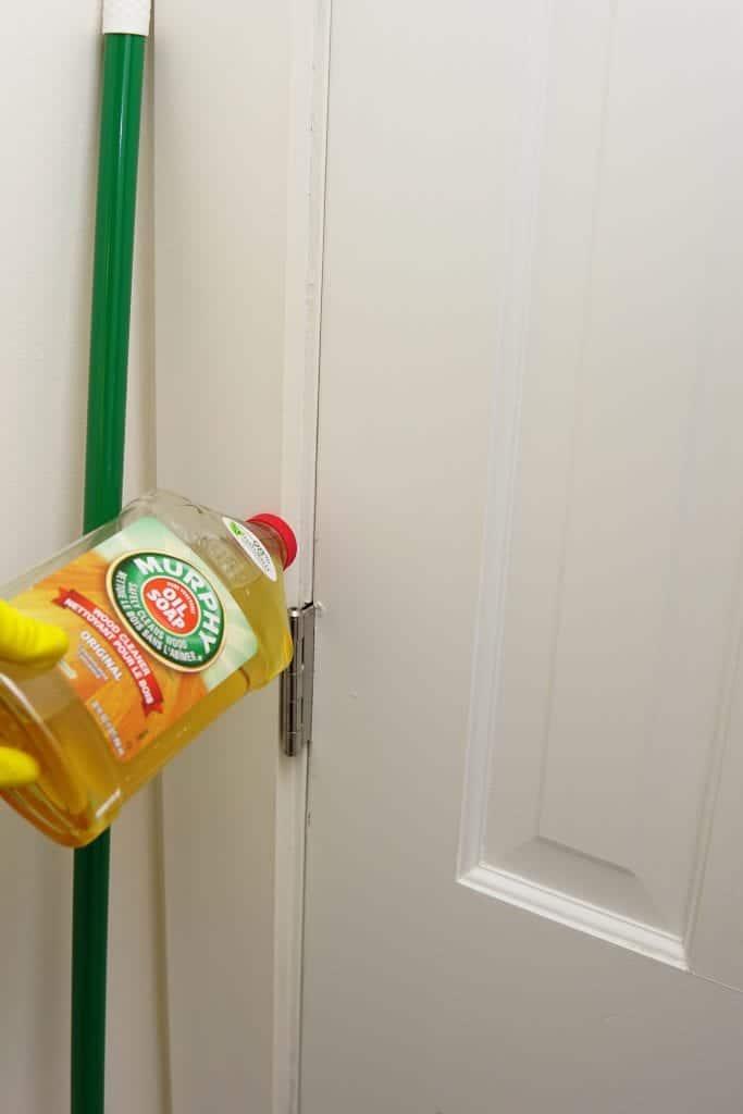 murphy's oil soap cleaning door